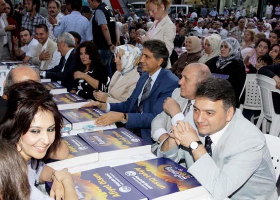 Binlerce Fatih'li iftarını Sümbülefendide  birlikte